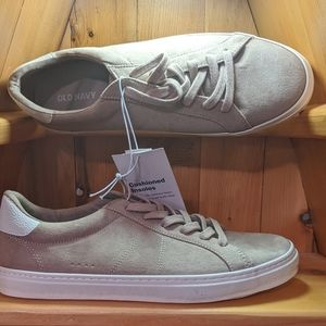 Old Navy Size 7 Women's Court Sneaker
